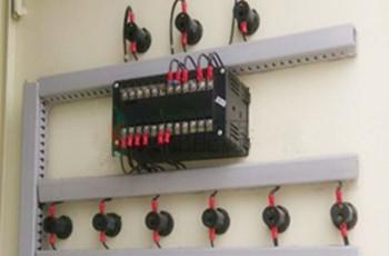 10、把外部的所有电源线,对应接到所控制的开关